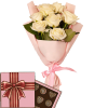 7 кремових троянд з цукерками