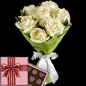 7 білих троянд з цукерками
