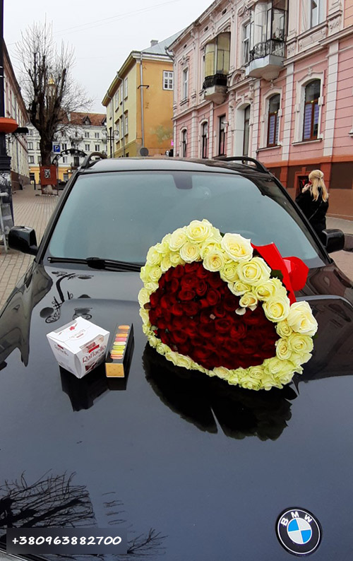 Букет 101 троянда серце фото