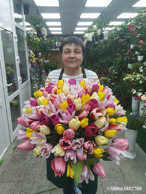 букет 101 тюльпан мікс