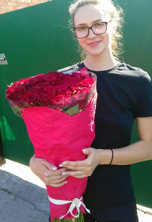 фото 51 червона троянда у Львові